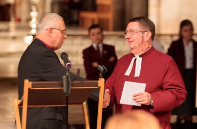 Bishop Donald presentation to the Dean, Charles Taylor